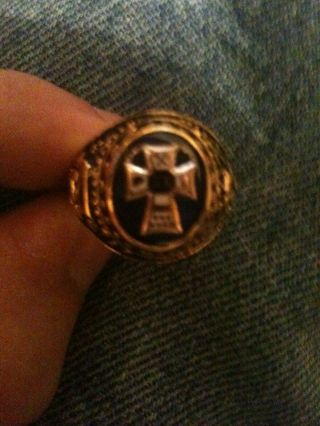 Vintage Sigma Chi Fraternity Ring By Balfour.  Size 10.