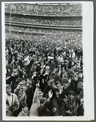 1969 Ny Mets World Series Upi Photo Baseball Fans On Field After Game Baltimore