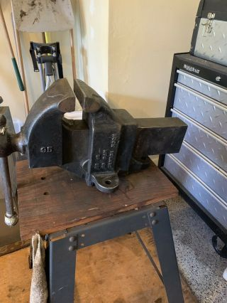 Rock Island Bench Vise.  No 95.  Vintage 78 Lbs Heavy Duty Great