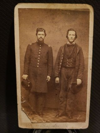 Civil War Soldier Brothers.  There Is An Id But Hard To Read.