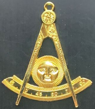 Masonic Past Master Collar Jewel In Gold Color