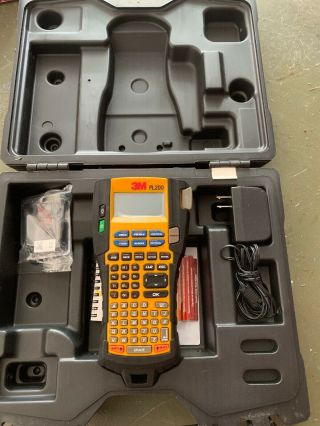3m Portable Labeler Pl200 Label Maker In Case With Charger -