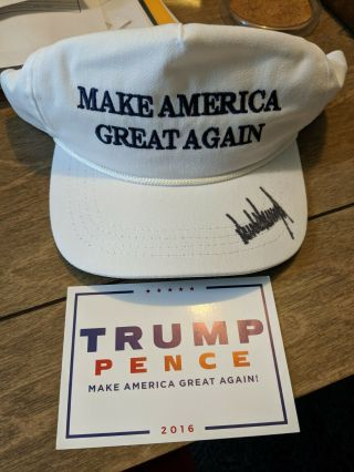 Official Trump 2016 Signed White Make America Great Again Hat