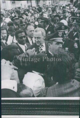 1968 Martin Luther King Eugene Mccarthy Crowd Huge Police Officers Photo 6x8