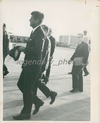 1963 President John F.  Kennedy With Hat News Service Photo