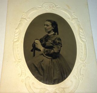 Antique Victorian American Civil War Fashion Woman Tintype Photo Us