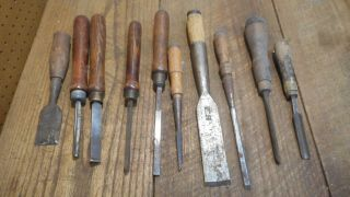 L4458 - Vintage & Antique Wood Chisels - Woodworking Tools