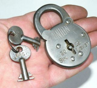 Vintage Union 30 - 25 6 Lever Padlock In Good Order With Two Keys