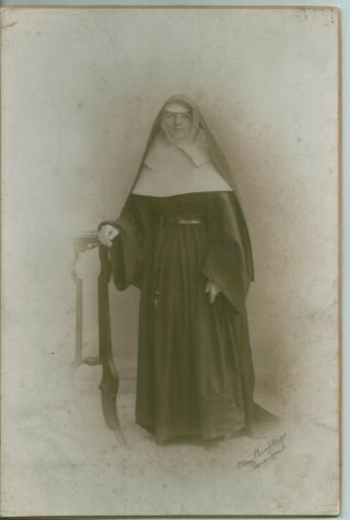 Very Large Cdv 9 X 6  Sunderland Studio Photo - Late 1800s Period - Young Nun