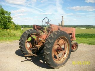 1954 Farmall International 300 Antique Tractor Live Hydraulics & PTO 8