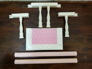Barbie Magical Mansion Replacement Part - - 2nd Floor Balcony Railings Pillars B