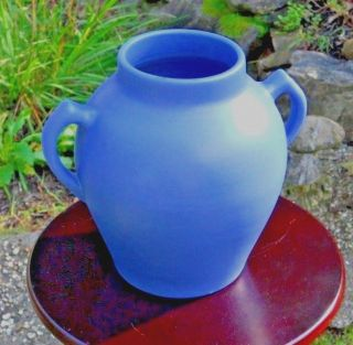 Antique Vintage York Pfaltzgraff Art Deco Pottery Matt Blue Art & Craft Vase