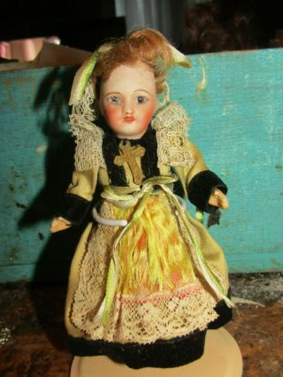 Lovely Antique French Bisque Unis Paris Doll In Origian French Ethnic Costume