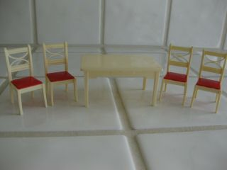 Vintage Renwal Doll House Furniture Kitchen Table & 4 Chairs