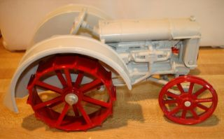 Vintage Die - Cast Metal Antique Fordson Tractor 1/16 Scale By Ertl