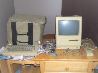 Vintage Apple Macintosh M0001 Computer With Keyboard Mouse And Bag