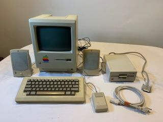 Apple Macintosh 512k Model Computer With Keyboard,  Mouse,  Speakers & Ext 5.  25 ""