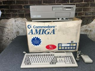 Commodore Amiga 2000 A2000hd Computer Complete With Keyboard/mouse