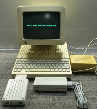 Vintage Apple Llc Computer With Monitor And Accessories