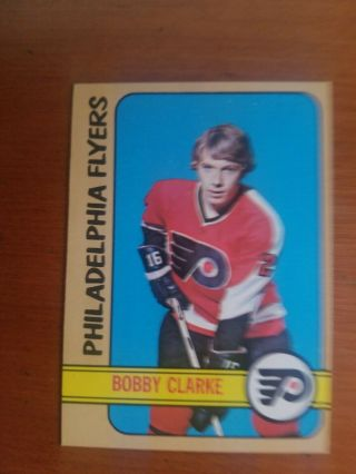 1972 - 73 Topps Nhl Flyers Bobby Clarke Card 90 Real Card