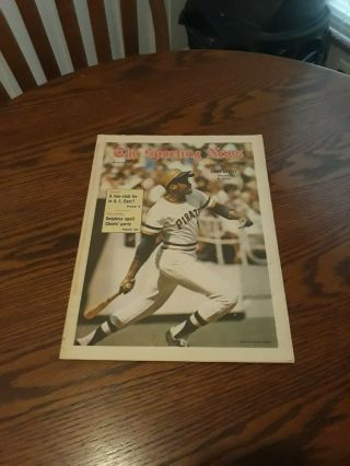 September 30,  1972 - The Sporting News - Al Oliver Of The Pittsburgh Pirates