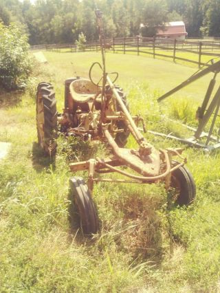 Allis Chalmers Model G Antique Tractor For Rebuild No Must Pick Up