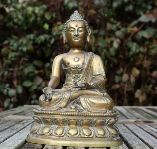 Chinese 18th Century Gilt Bronze Buddha Qing Dynasty Double Lotus Base 23.  5cm