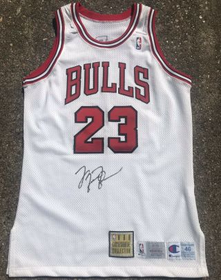 Michael Jordan Chicago Bulls 1993 - 94 Game Issued Pro Cut Commemorative Jersey