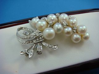 Stunning Handcrafted Antique 18k White Gold Brooch With Diamonds And Pearls