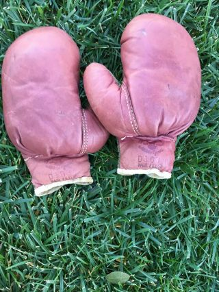 Early Antique Old 1920s Vintage All Leather Boxing Gloves D & M Hair Filled Rare