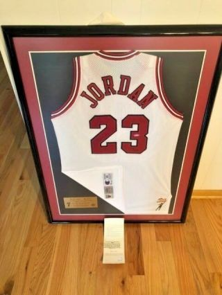 Michael Jordan Uda Upper Deck Signed Autograph Mr June Champion Jersey 122/423