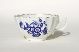 Antique English C1770 First Period Worcester Fluted Cup Dry Blue Flowers Dr Wall
