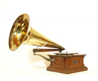 1902 Victor Monarch Special Phonograph W/original Brass Victor Horn Gorgeous